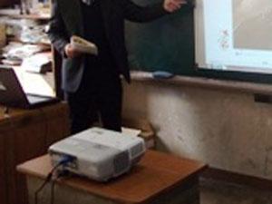 学校 プロジェクター